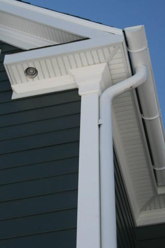 after construction photo close up of Soffit and Crown Detail
